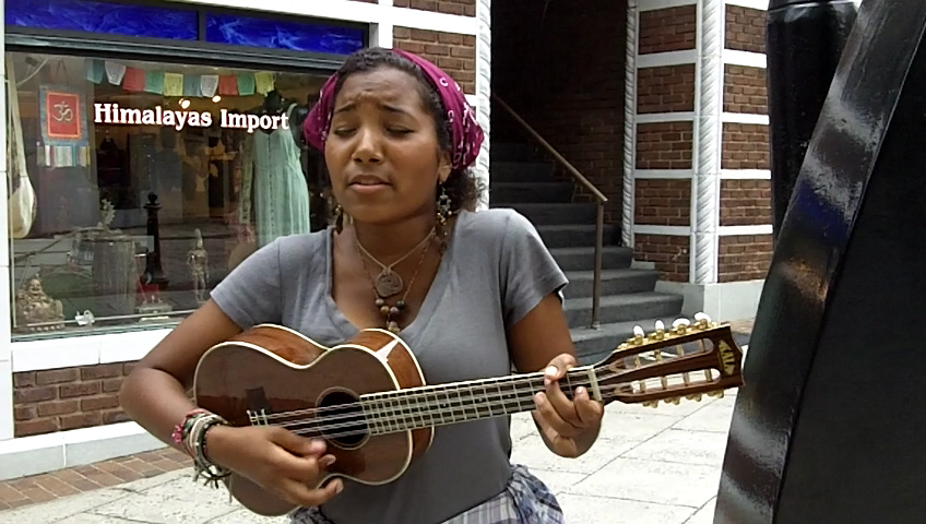 Busk-Break-Jessica-Dennison-2010