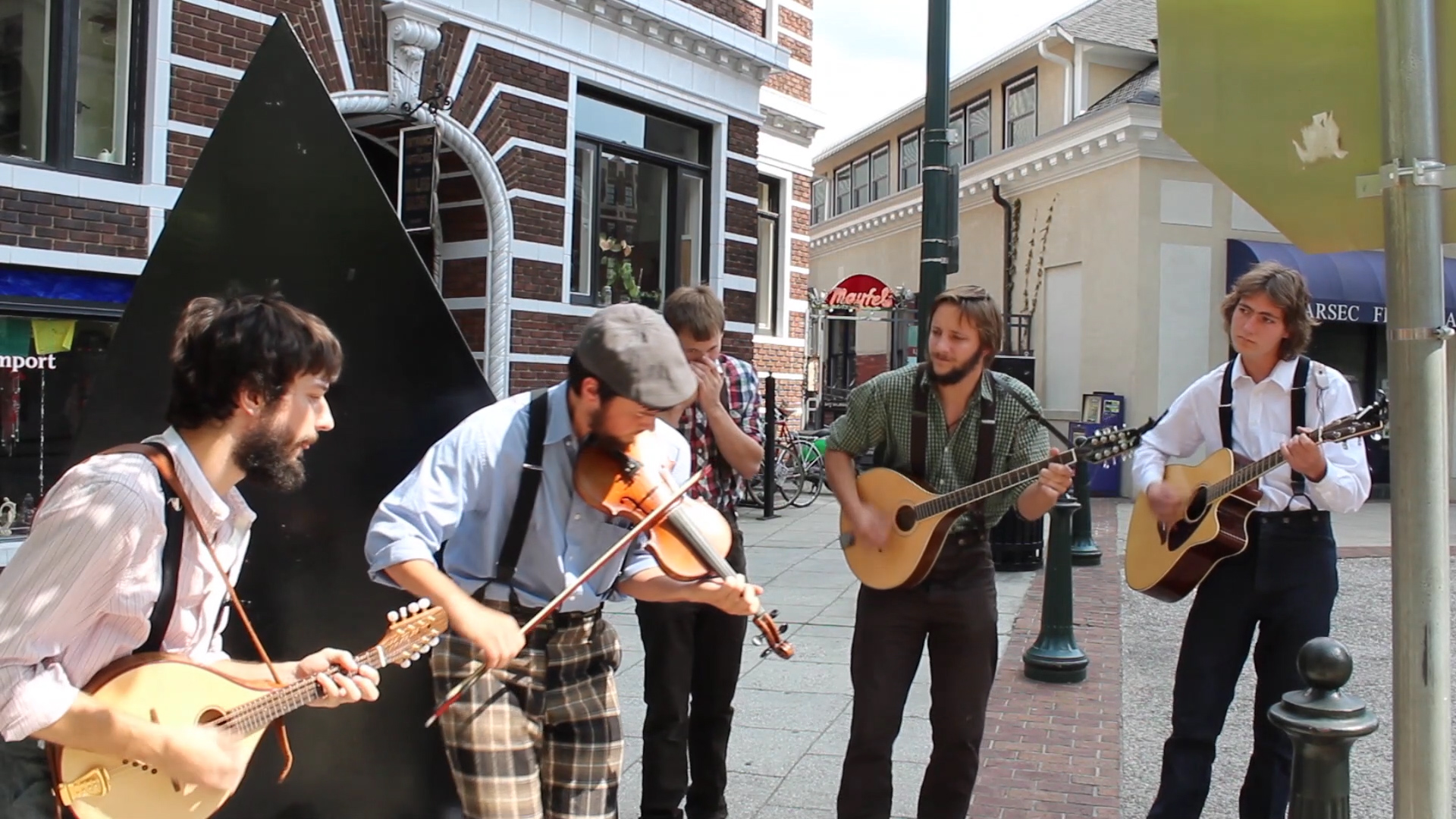 Tomb Nelson and the Stillwater Hobos perform a spirited medley